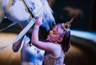 WI girl meets unicorn with Make-A-Wish [PHOTOS]