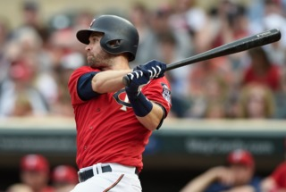 Report: Brewers to target Brian Dozier