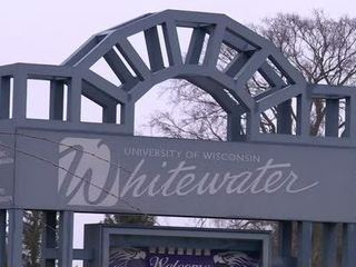 UW-Whitewater students stand by chancellor