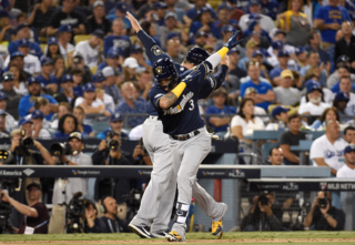 Brewers win Game 3 of NLCS, take 2-1 series lead